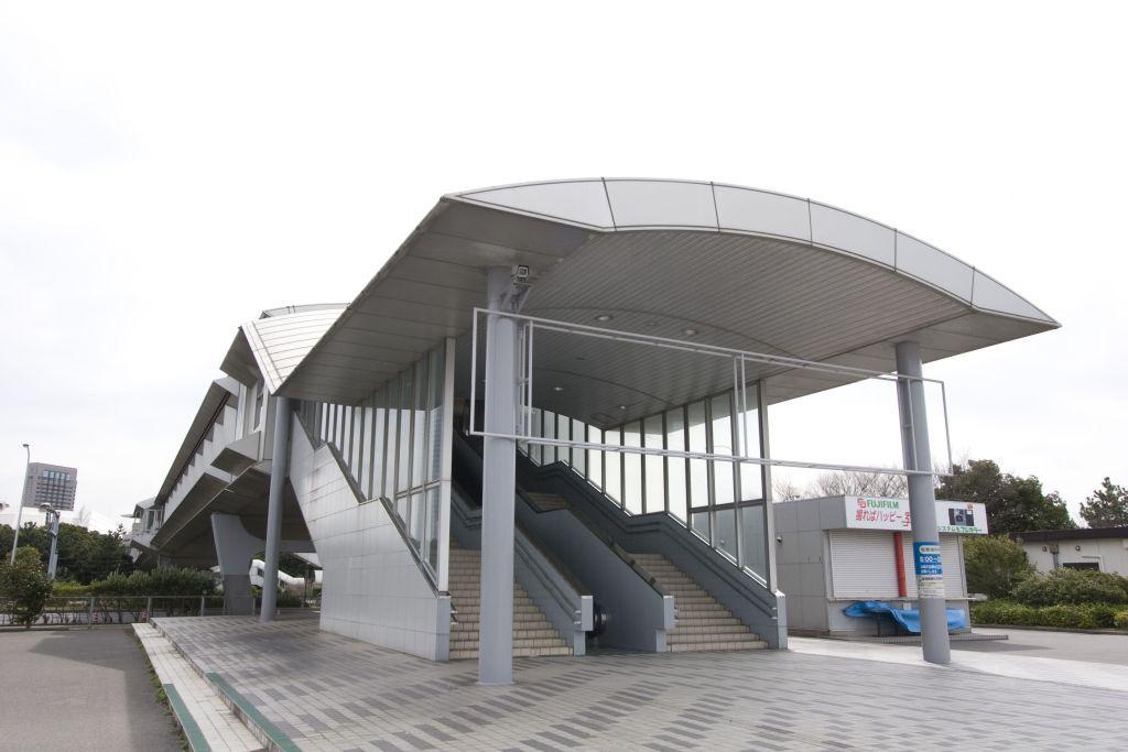 メッセ駐車場連絡橋入口