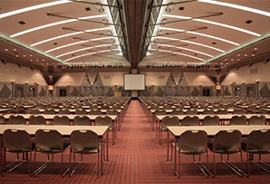 場 国際 会議